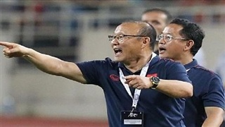 HLV Park Hang Seo chỉ ra 2 tuyển thủ Việt Nam xuống phong độ