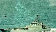 Tàu hải quân Indonesia bị chìm ngoài khơi
