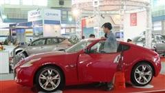 Lượng ô tô nhập khẩu nguyên chiếc giảm mạnh