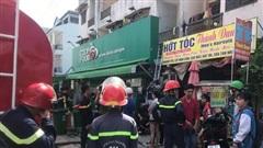 TP.HCM: Giải cứu thành công 6 sinh viên mắc kẹt trong đám cháy