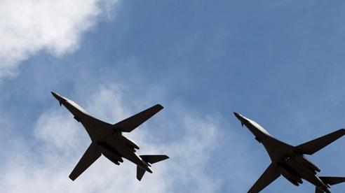 Không quân Mỹ bất ngờ điều 2 oanh tạc cơ B-1B đến đảo Guam