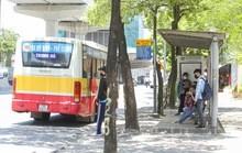 Xe buýt Hà Nội 'chết mòn'