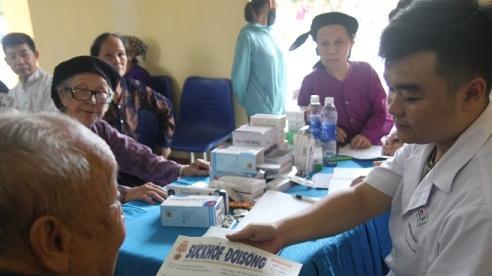 Thái Nguyên: 400 người ở xã Bình Long được khám, tư vấn sức khỏe miễn phí