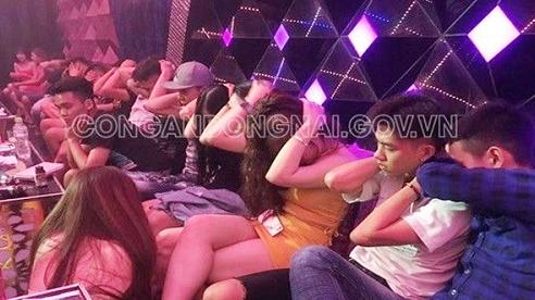 Đột kích quán bar, karaoke ở Đồng Nai, phát hiện gần 100 'nam thanh nữ tú' phê ma túy