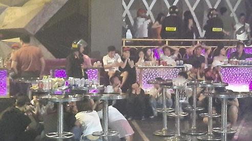 Đêm thác loạn ở quán bar Romance tại Đồng Nai