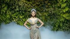 Hoa hậu Khánh Vân đấu giá váy 10.000 USD để giúp đỡ trẻ em