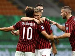 Thắng hủy diệt 5-1, AC Milan leo lên nhóm dự cúp châu Âu