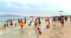 Du khách đến Quảng Ninh đông kỷ lục