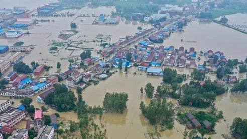 Giải mã mưa lũ khủng khiếp tại Trung Quốc