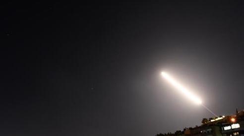Syria đánh chặn nhiều tên lửa nhằm vào Damascus