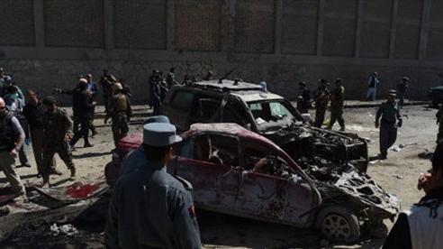 Đánh bom tự sát nhằm vào quân đội Afghanistan