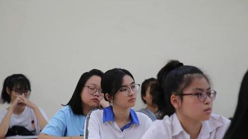 Thi vào lớp 10 công lập HN, TP.HCM: Đề dễ thì điểm cao vẫn lo... trượt!