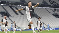 Ronaldo đua 'giày vàng', Juventus tăng tốc đến ngôi vương