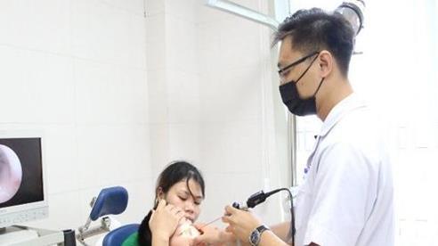 Con 5 tuổi nhập viện khẩn cấp vì một phút sai lầm của cha mẹ