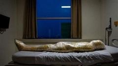 'Con người trở thành xác ướp': National Geographic công bố bức hình gây ám ảnh, cho thấy thực tại tàn khốc Covid-19 đang gây ra tại Indonesia