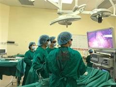 Bệnh viện K phẫu thuật thành công cho bệnh nhân 93 tuổi ung thư trực tràng