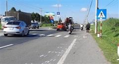 Vợ tử vong, chồng nhập viện sau va chạm xe máy