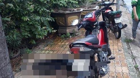 Nam sinh gục chết bên xe máy cạnh trường mầm non ở Sài Gòn