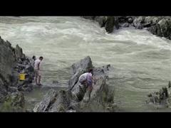 Cận cảnh con đập 55 năm tuổi ở Trung Quốc bị vỡ vì mưa liên tiếp