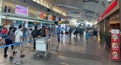 Bác tin đồn du khách chen lấn ở sân bay để rời Đà Nẵng