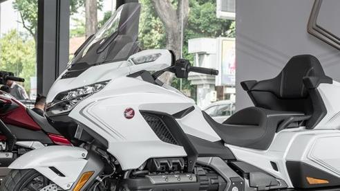 'Chuyên cơ hai bánh' Honda Gold Wing 2020 đầu tiên về Việt Nam: Có túi khí, Cruise Control như ô tô, giá 1,2 tỷ đồng