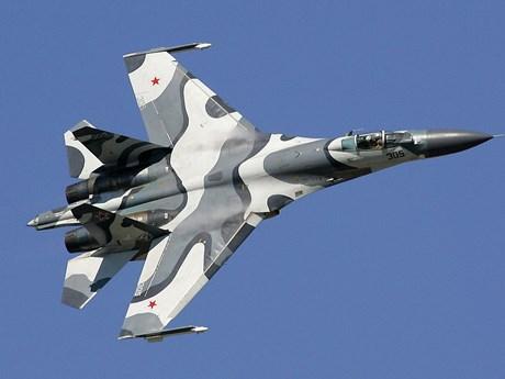 Máy bay Su-27 của Nga chặn máy bay trinh sát Mỹ trên biển Đen