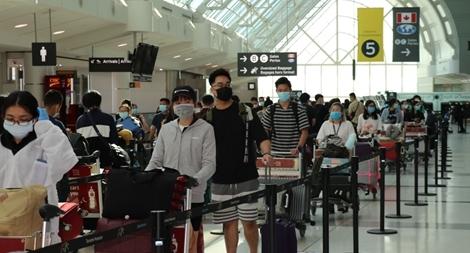 Đưa 340 người Việt từ Canada về nước