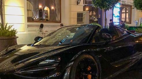 Cận cảnh McLaren 720S Spider màu đen bóng độc nhất Việt Nam