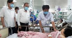 Phó Thủ tướng Trương Hòa Bình thăm hỏi, động viên các nạn nhân vụ tai nạn ở Quảng Bình