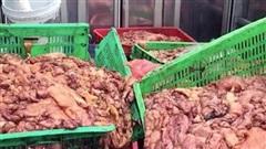 Lời khai nữ tài xế chở hàng tấn mỡ lợn bẩn