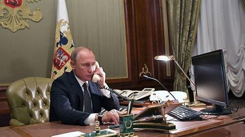 Điện đàm Putin-Zelensky: Sẽ ngừng bắn ở Donbass