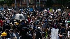 Bạo động tại biểu tình ở Seattle: Gần 50 người bị bắt, 60 cảnh sát bị thương