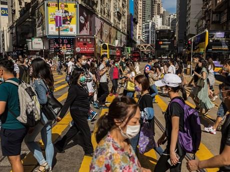 Hong Kong ngăn chặn tình trạng gia tăng đột biến ca mắc COVID-19