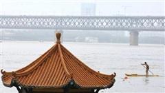 Mưa lớn đe dọa lũ lụt trên khắp Trung Quốc
