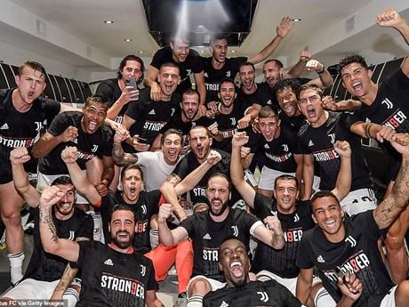 Khoảnh khắc đáng nhớ về kỳ tích 9 lần vô địch liên tiếp của Juventus