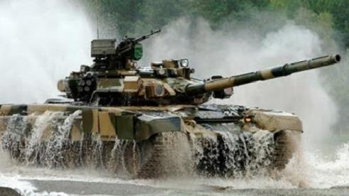 Ấn Độ triển khai đội tăng T-90 sau khi Trung Quốc ồ ạt đưa 50.000 quân tới biên giới