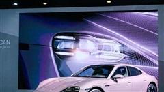 Porsche Taycan RWD Frozen Berry Metallic được ra mắt tại Trung Quốc với giá 2,9 tỷ đồng