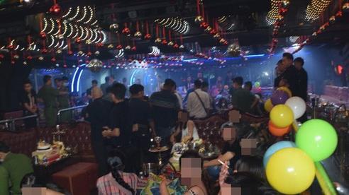 Đột kích 2 tụ điểm thác loạn của 'dân chơi' ở trung tâm Sài Gòn