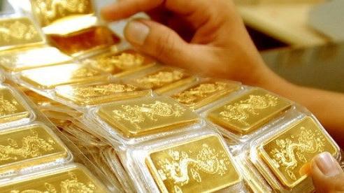 Sau khi lập ''đỉnh'', giá vàng trong nước giảm 750.000 đồng