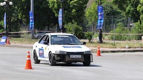 30 tay đua tranh tài quyết liệt tại Giải ô-tô thể thao Gymkhana