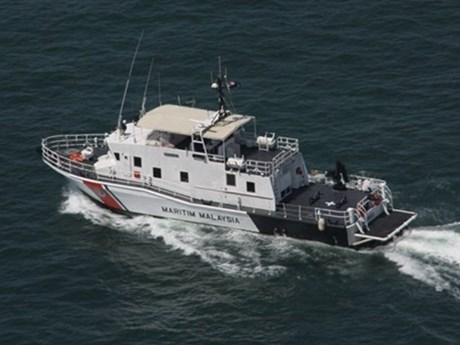 Malaysia huấn luyện bắn đạn thật ngăn chặn tàu cá xâm nhập trái phép