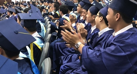 Đề nghị báo cáo việc cấp bằng tốt nghiệp cử nhân thay kỹ sư
