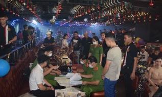 Công an quận 1 phát hiện 24 dân chơi phê ma túy trong quán bar