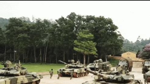 Lục quân hiện đại hóa, cùng xe tăng T-90 là hàng loạt vũ khí 'Made in Vietnam' cực đỉnh