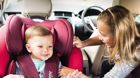 Trẻ nhỏ ngồi ở vị trí nào trên ô tô là an toàn nhất?