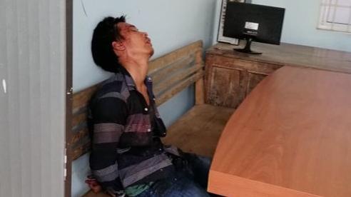 Thanh niên nghiện ma túy, cầm dao xông vào trụ sở đâm công an trọng thương ở Bà Rịa – Vũng Tàu