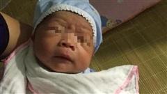 Hưng Yên: Nhói lòng bé sơ sinh bụ bẫm bị bỏ rơi kèm lá thư định mệnh