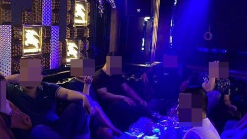 26 nam nữ dương tính ma tuý trong nhà hàng khi TP. HCM vừa tạm đóng cửa quán bar