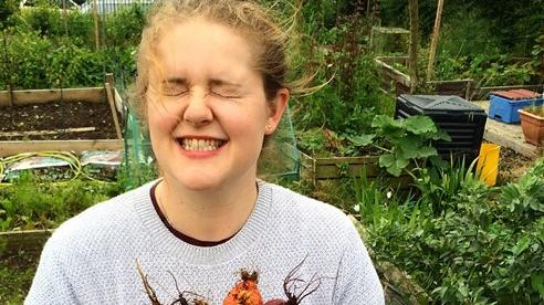 Khu vườn của cô gái xinh đẹp 23 tuổi quyết dành cả thanh xuân để trồng rau quả sạch