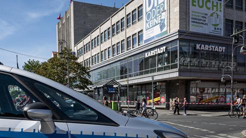 Xông vào ngân hàng cướp giữa ban ngày ở Đức, 11 người bị thương